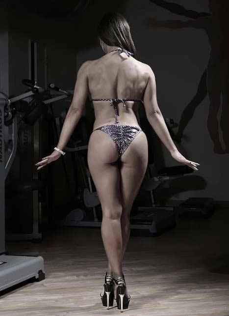 rute ganchas bikini fitness