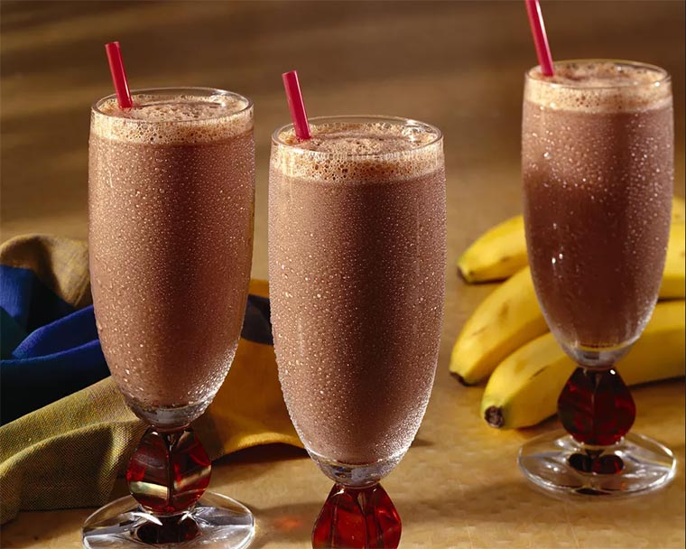 batido de banana e chocolate
