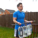 10 exercícios para treinar bíceps e tríceps em casa sem equipamento
