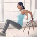 6 exercícios para treinar bíceps e tríceps em casa sem equipamento