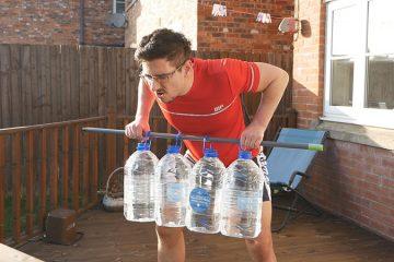 exercícios para ombros sem equipamento