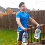 9 Exercícios para treinar ombros em casa (sem equipamento)