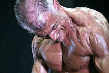 """O Tá Fitness entrevistou o veterano Fernando Russo, um culturista já com bastante historial e conquistas no palmarés. Pertence ao grupo restrito dos culturistas que iniciou o seu percurso no """"ferro"""" no powerlifting."""
